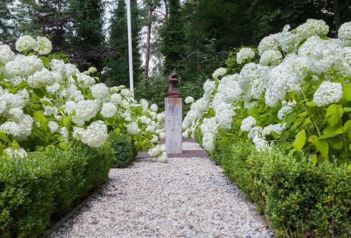 Tuinaanleg nunspeet van wijngaarden uw tuin compleet for Www bloem en tuin nl